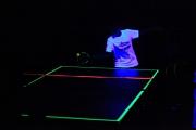 Premiere im Kreis Nienburg: Tischtennis unter Schwarzlicht gab es für die Kids vom TTC Haßbergen!