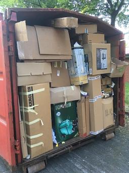 Das klappte super: Die Haßberger füllten bei der ersten Selbstanlieferung beide Container randvoll - der TTC freut sich über die Unterstützung der Jugendarbeit.©TTC Haßbergen